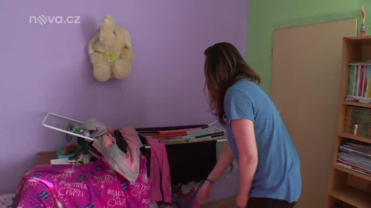 Vyměněná manželka je na nervy z náhradních dětí: Jsou to prý spratci! Proč?