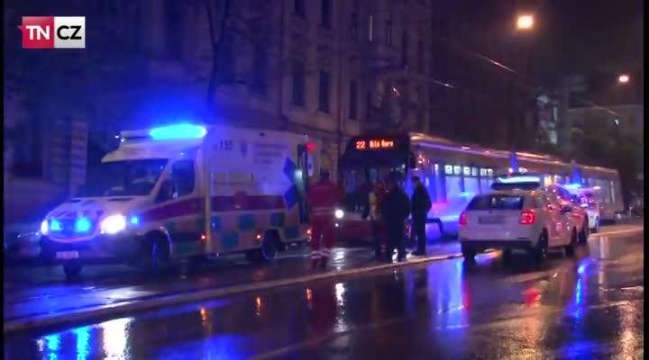 Chodce v Praze usmrtila tramvaj