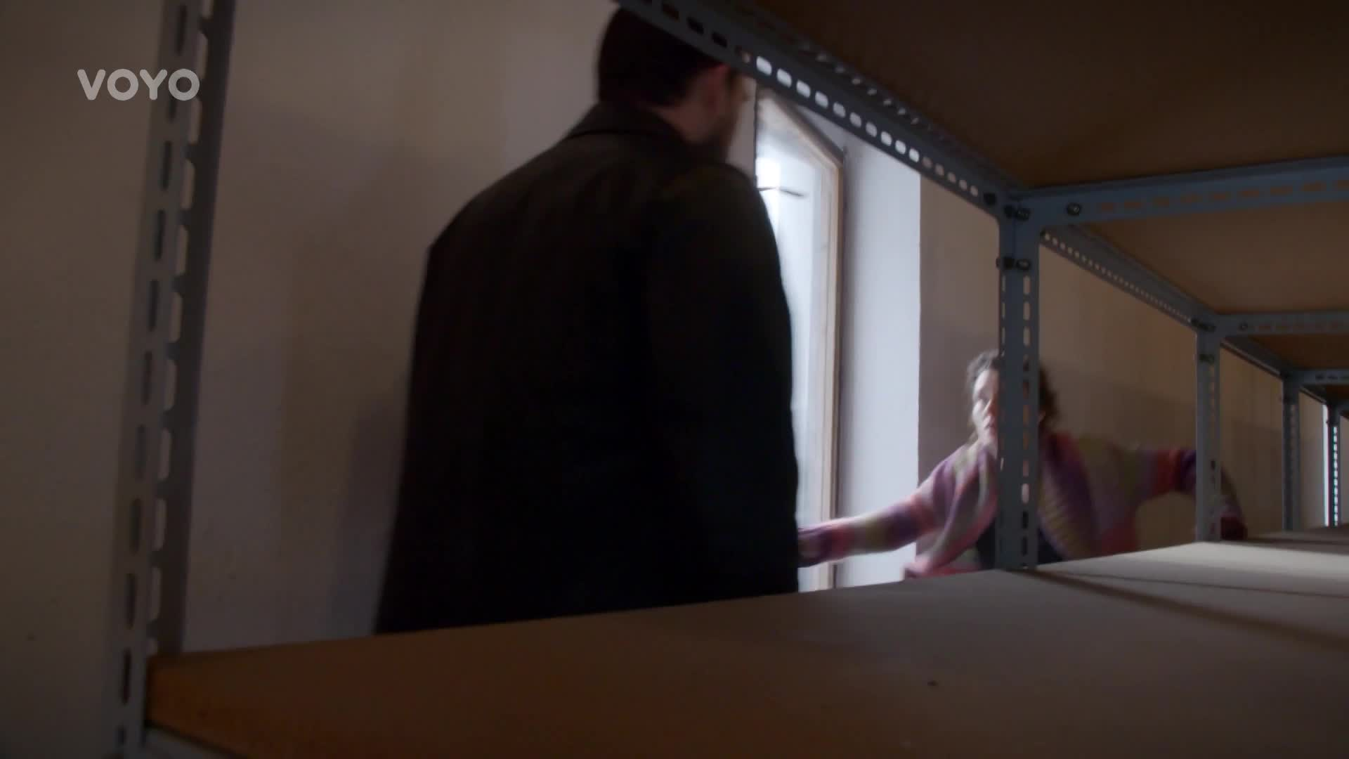 Táňa skočila z okna! Co jste o této scéně určitě nevěděli?